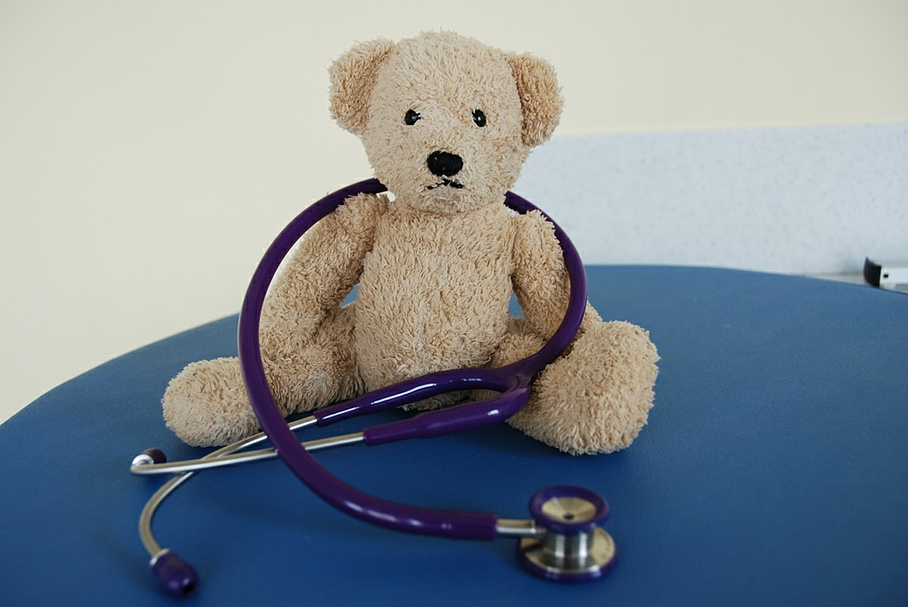 Teddy bear with stethoscope - Sood Paediatric Practice - Adliswil